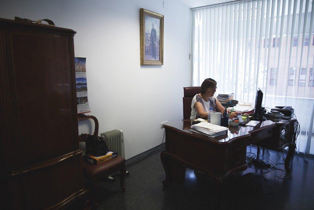 Pilar Malet, en su despacho de la facultad de Química
