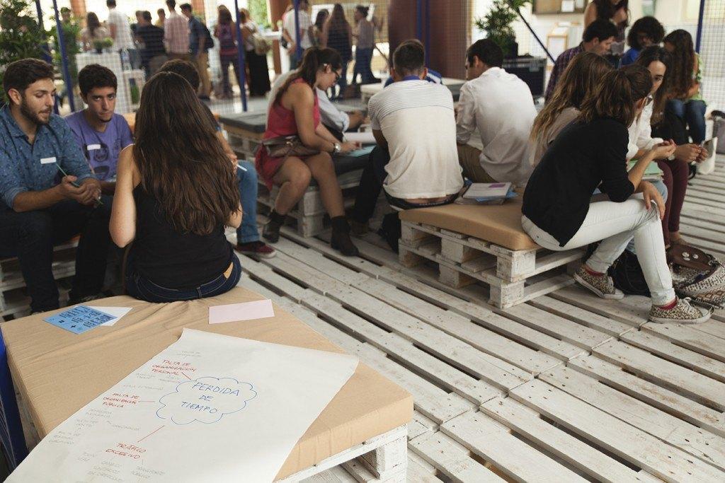 Reuniones de estudiantes en el ágora