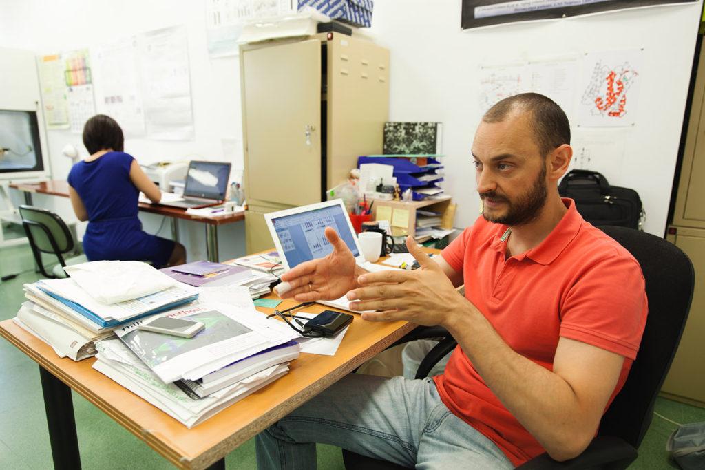 Mario David Cordero forma parte del grupo de investigación de la Universidad de Sevilla en Etiologia y Patogenia Periodontal, Patologia Oral y Enfermedades Musculares