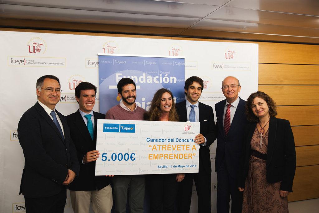 La Fundación Cajasol entregó el premio «Atrévete a emprender» por un valor de 5.000 euros