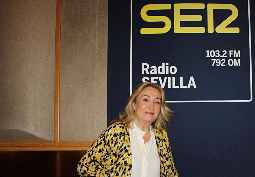 María Esperanza Sánchez, una voz de referencia para los oyentes de la Cadena SER.